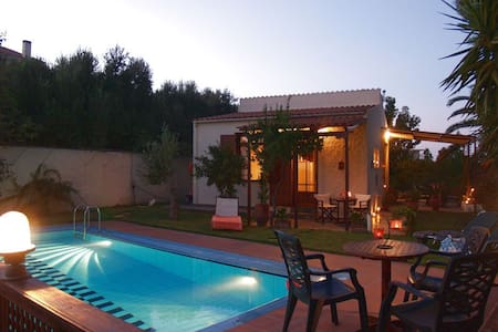 Yiannis Cottage with private pool - Spilia