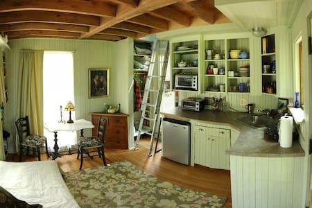 "Peaks Island ""Tree House"" - Portland - Huis"