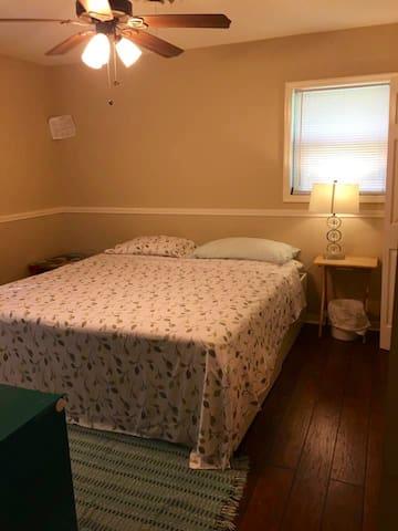 Cozy room with1/2 bath