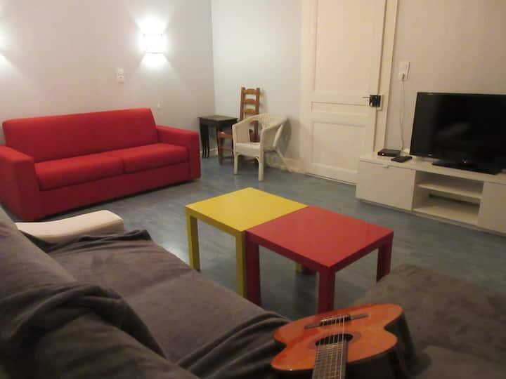 Appartement bien équipé  proche centre ville
