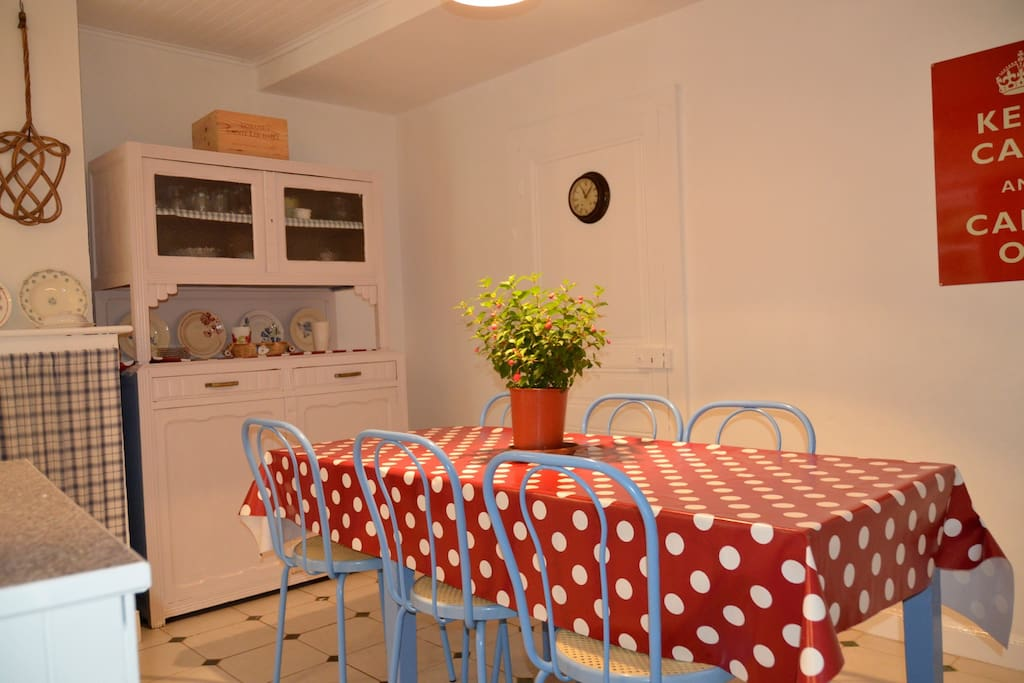 Gite kitchen - seats 6