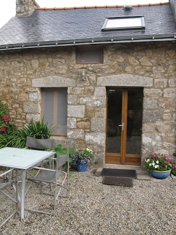 Small Cottage St André 22480 France - Saint-Nicolas-du-Pélem - House