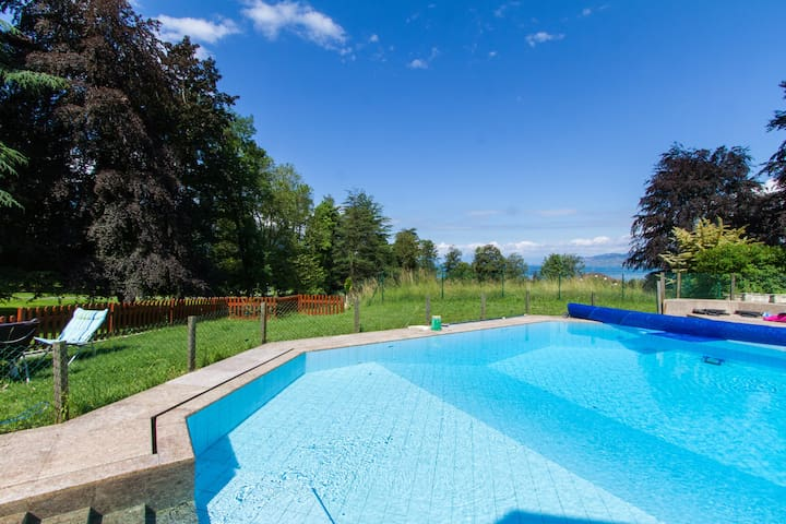 Villa with shared Swimming pool 6min dr Montreux