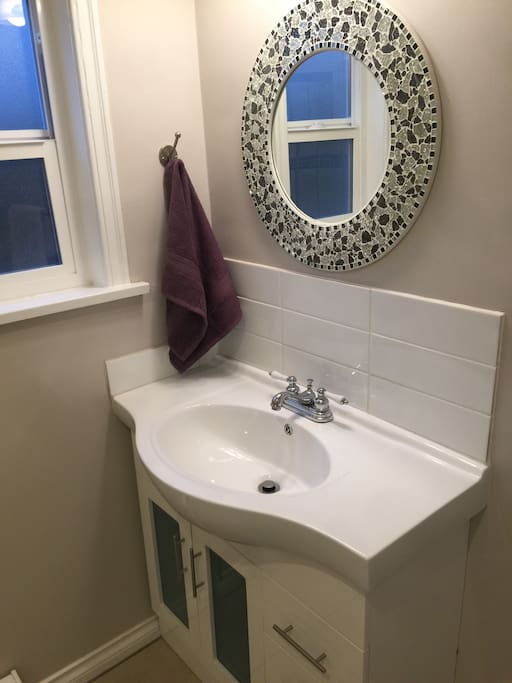 Bathroom for two rooms