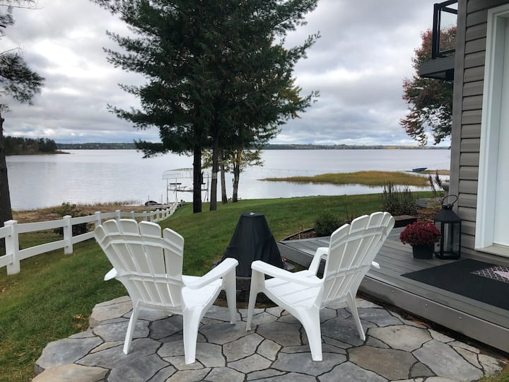 COUPLE'S RETREAT (Adults only)