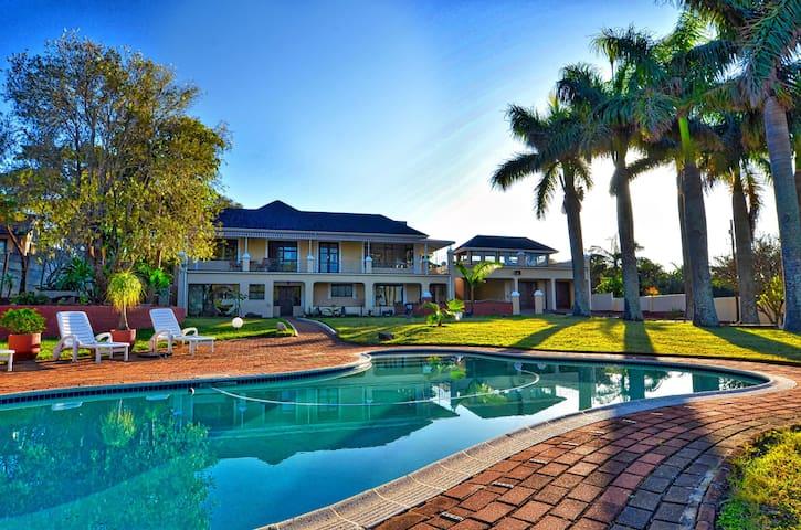 Palm Tree Manor Margate KZN - Room Baobab - Margate - Wohnung
