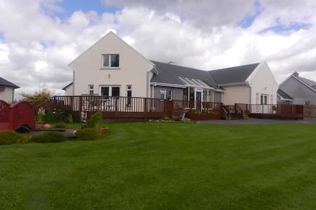 Oranmore, Co.Galway Bed & Breakfast - Tonroe - Bed & Breakfast