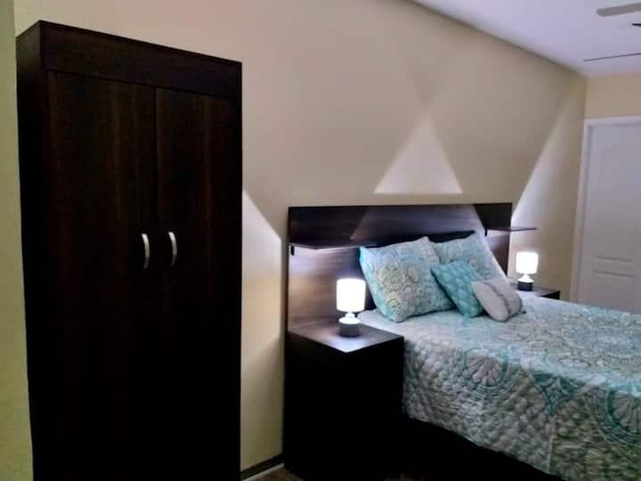 Cozy & Modern Double Room