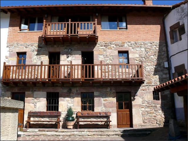 Magnificent house in Cantabria - Cantabria - House