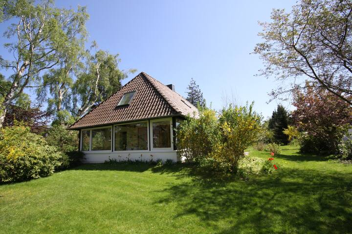 Spacious holiday house w. beautiful garden - Hohwacht - Casa