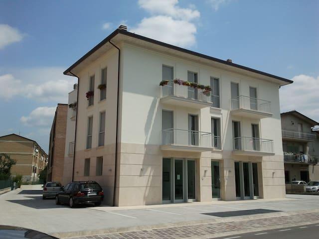 Leonidas BB House the right break - Santa Maria degli Angeli