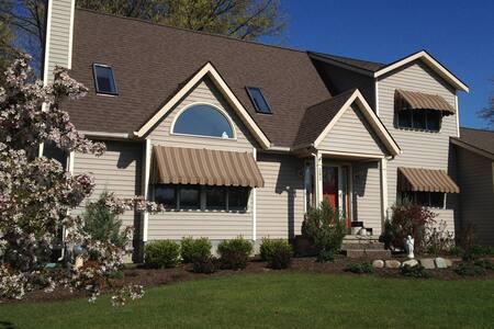 Casa LaValley - Schenectady