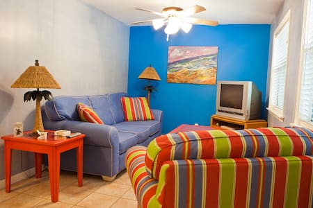 Pineapple Manor Vacation Apartment  - Melbourne Beach - Apartment