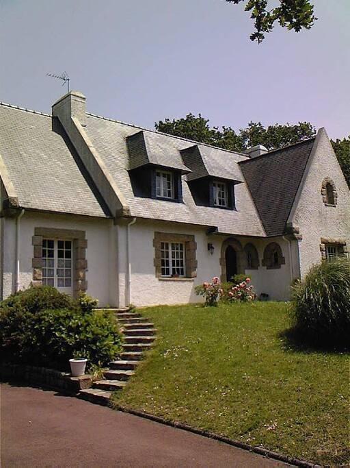 house with 10 rooms 1500 meters from the seaside maisons louer saint nazaire pays de la. Black Bedroom Furniture Sets. Home Design Ideas