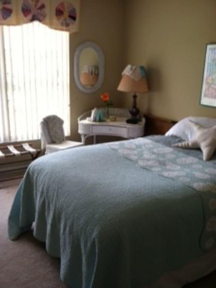 Split Bedroom plan sleeps One comfortably