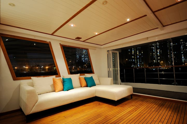 Spacious houseboat - Whole Boat - Near Soho East