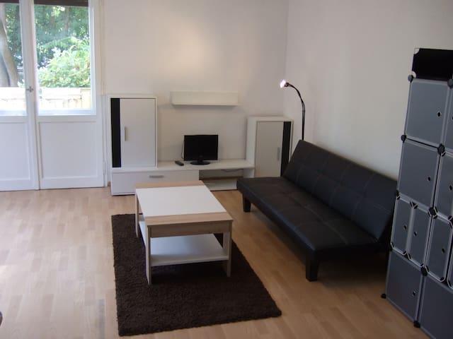 furnished apartment in Steglitz..............  :-) - Berlin - Lejlighedskompleks