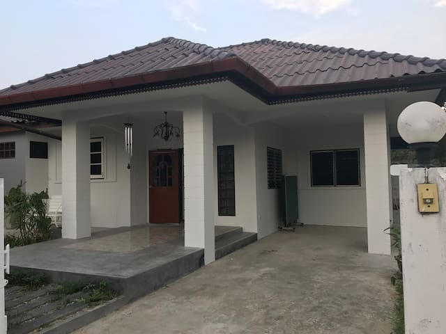 The 3 bedrooms house very closes to CMU - Chiang Mai - House