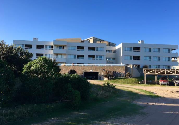 Fantastic Ocean Front Apartment - Pinamar - Flat