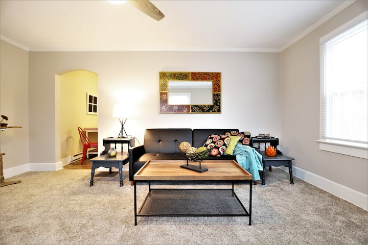 Midtown Apartment - Close to Baptist Hospital