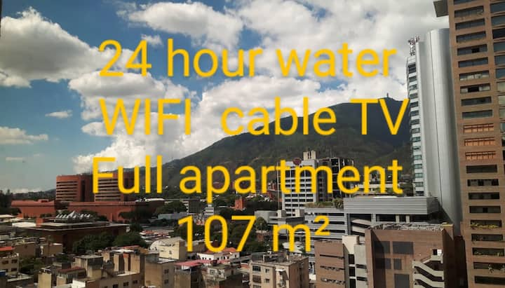 Altamira luxury apartment. 24 hours agua / WIFI