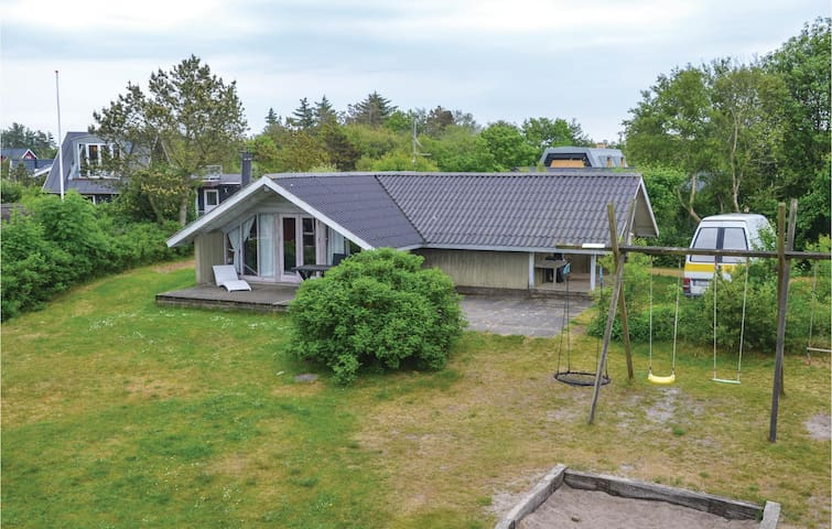 Holiday cottage with 3 bedrooms on 73m² in Tarm