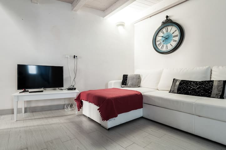 Casa Petunia: Exquisite and Traditional Home with Terrace - Ostuni - Apartemen