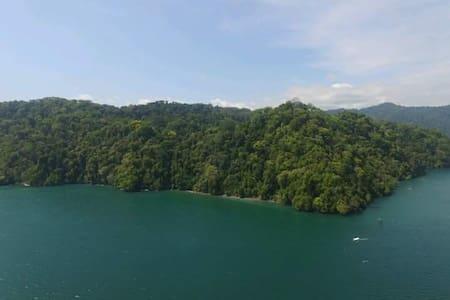 Rustic Tropical Paradise - Golfito