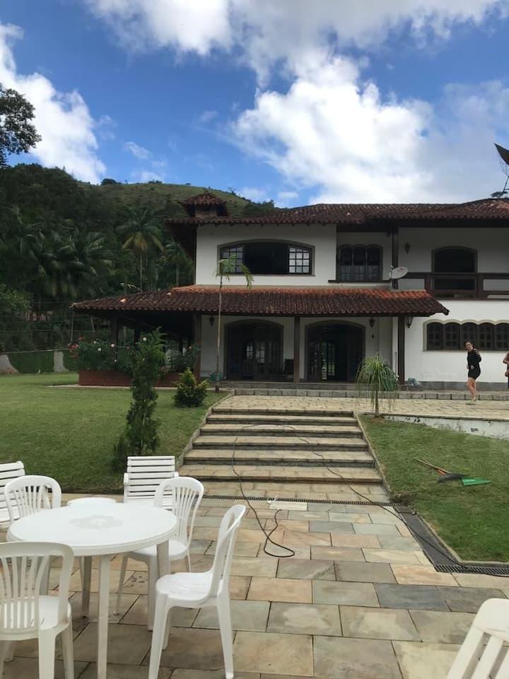 Casa em Teresópolis 6 suítes