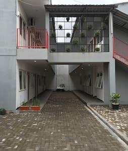 PALAPA - guest house - Semarang - Haus