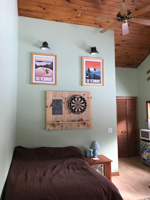 High ceilings, dimmable lighting, dartboard
