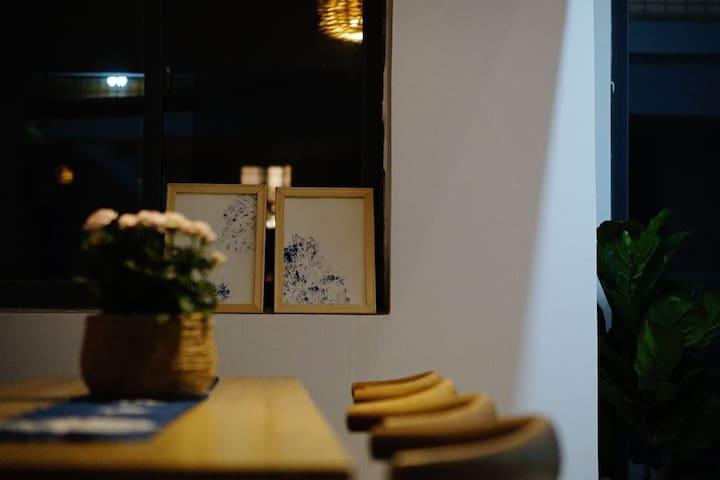 漓泉啤酒文化广场附近夕至民宿-清欢房间(桂林站附近,千亩荷塘景区,机场大巴直达)