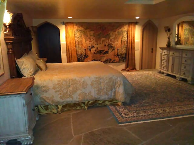 'The King's Suite' in HIGHLANDS CASTLE! - Bolton