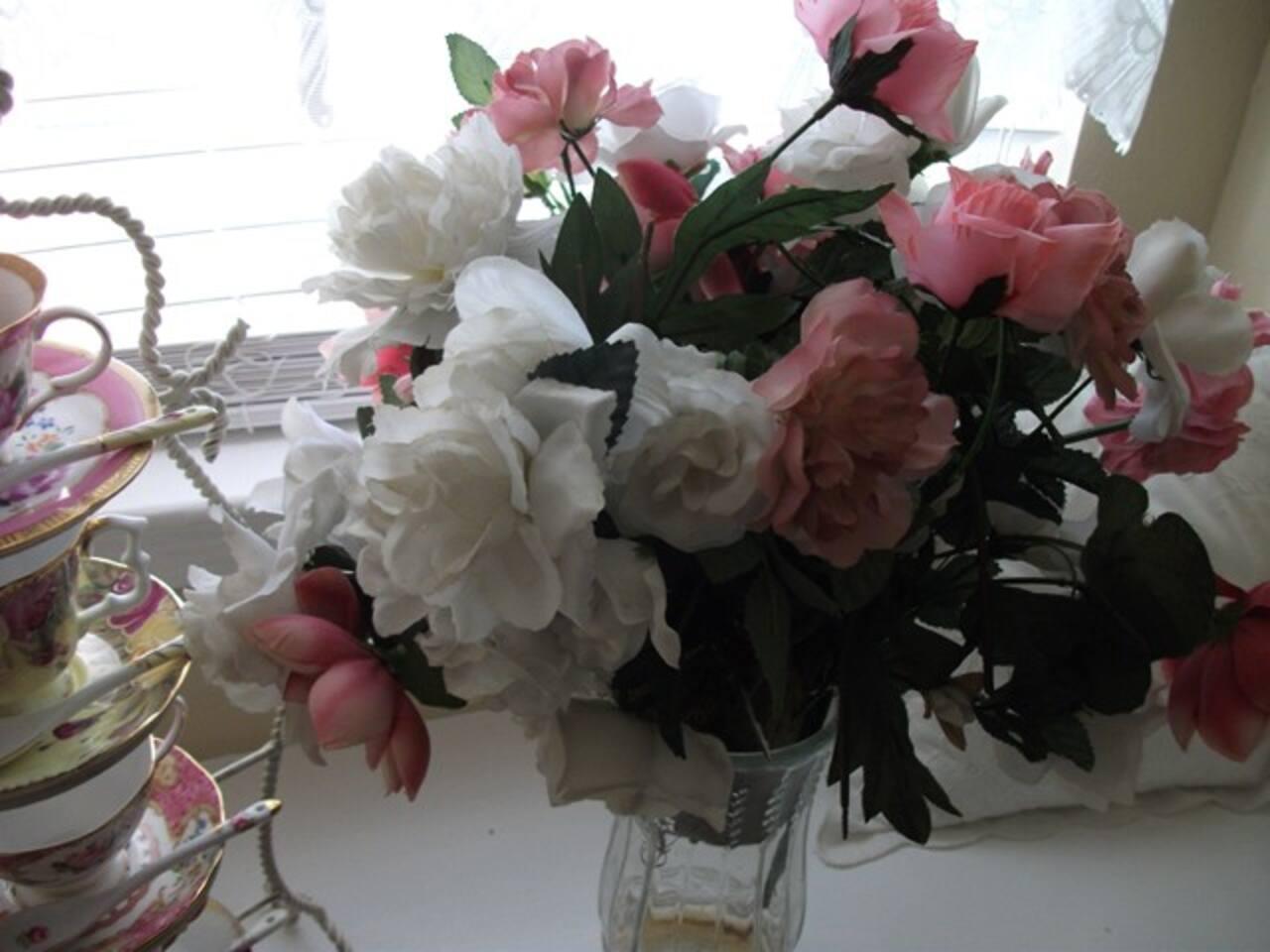 Lovely Roses ....................In The Rose Room........................