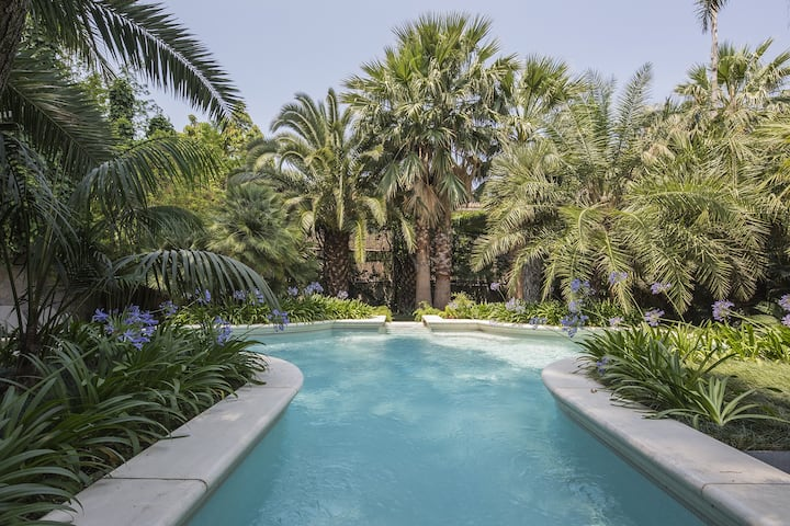 Villa Le Palme with Swimming Pool, Garden, Parking