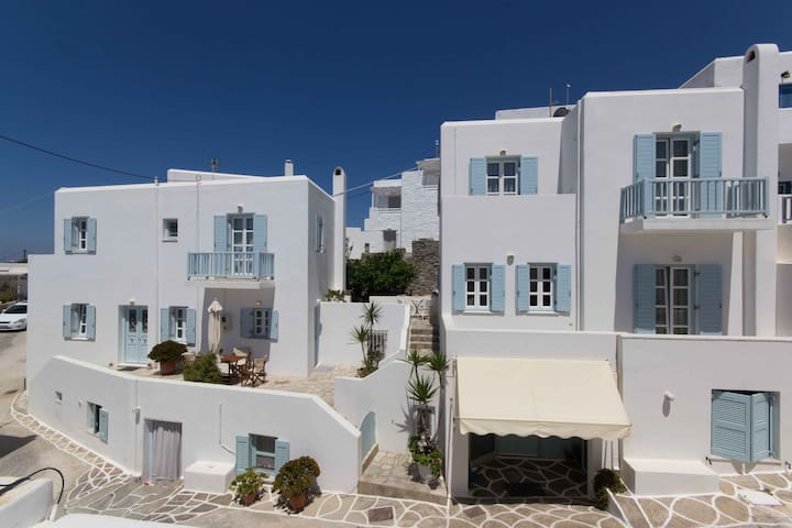 Classic Cycladic maisonette 2 in Naoussa of Paros