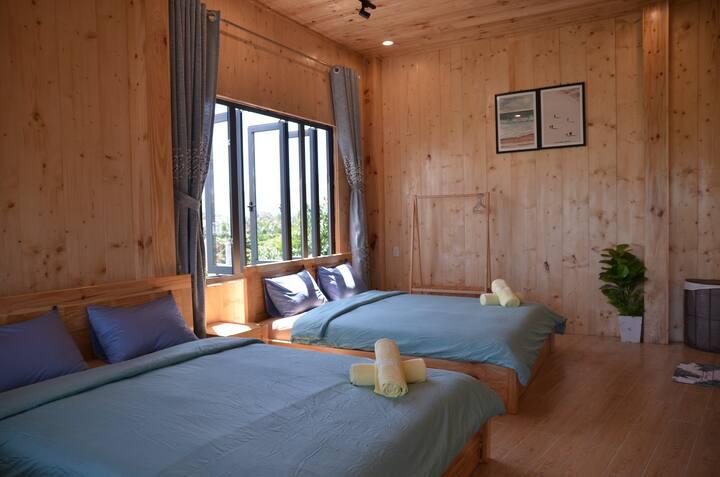 Phòng có thiết kế bằng gỗ đặc sắc