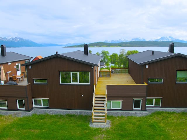 House - by the sea and the mountain - Tromsø - Hus