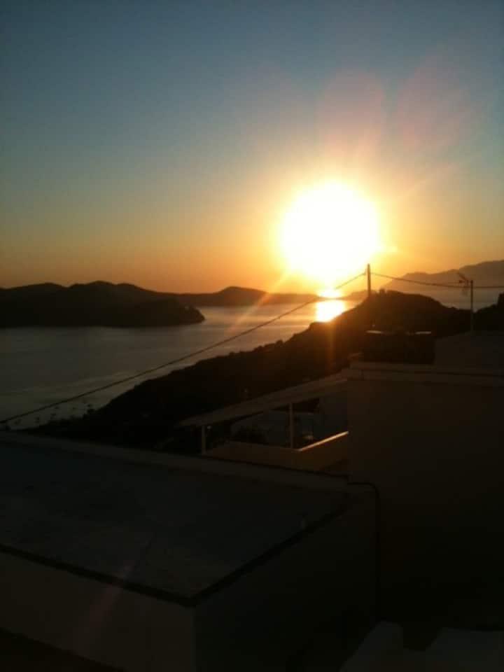Un rêve de maison cycladique  surplombant la mer