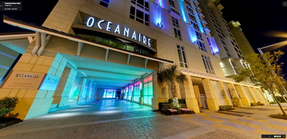 Virg Beach Ocean Front Stu on Boardwalk OAR slps 2 - バージニアビーチ - 別荘