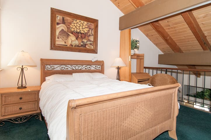 Relax close to lake and Tahoe City - Carnelian Bay - Appartement