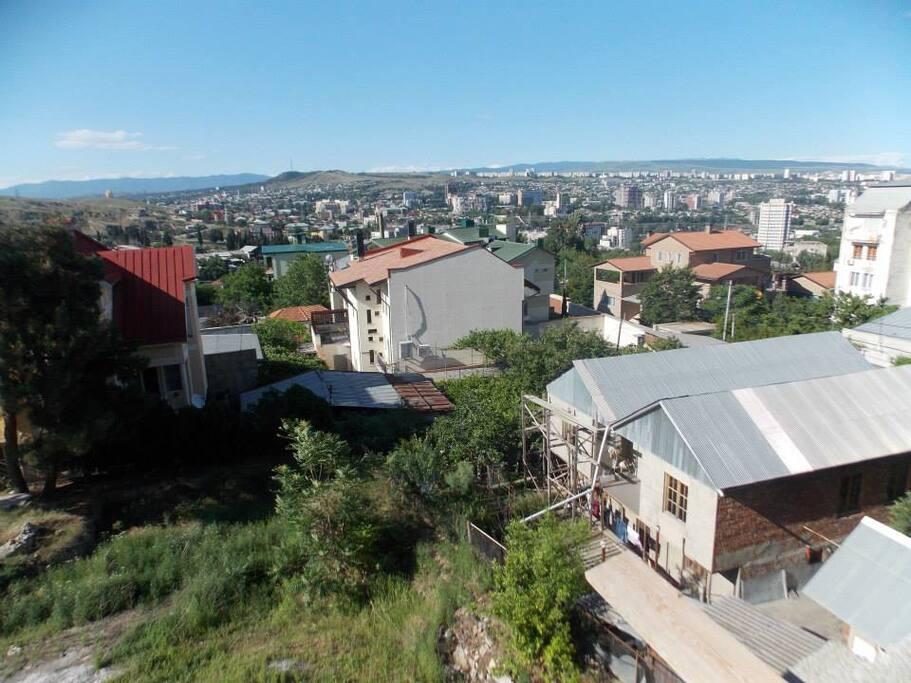 Дом в центре Тбилиси с територией 600 кв.м.