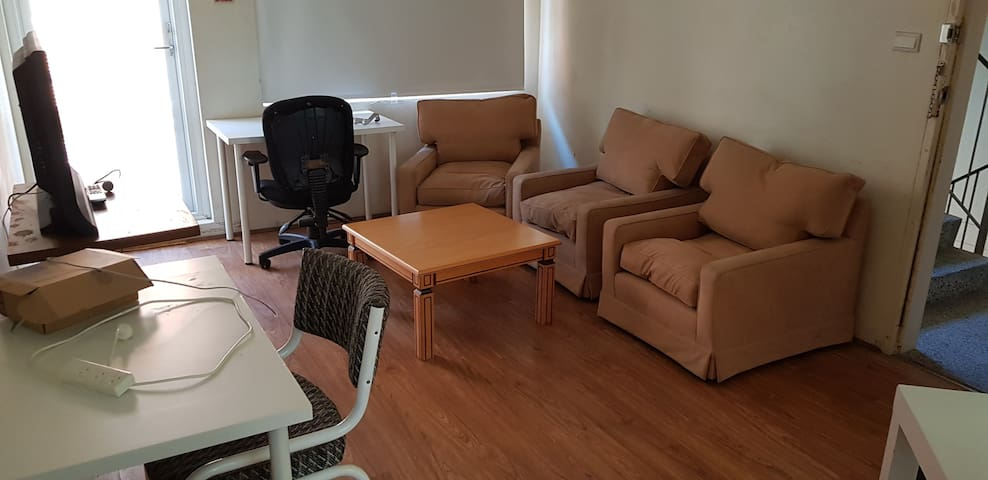 nice clean 2 bedroom plus lunch room unit.