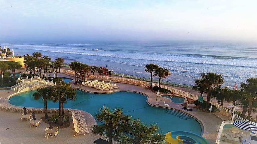 3Bd, Daytona Coastal Retreat!!