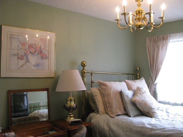 Private Brass bedroom in North Van