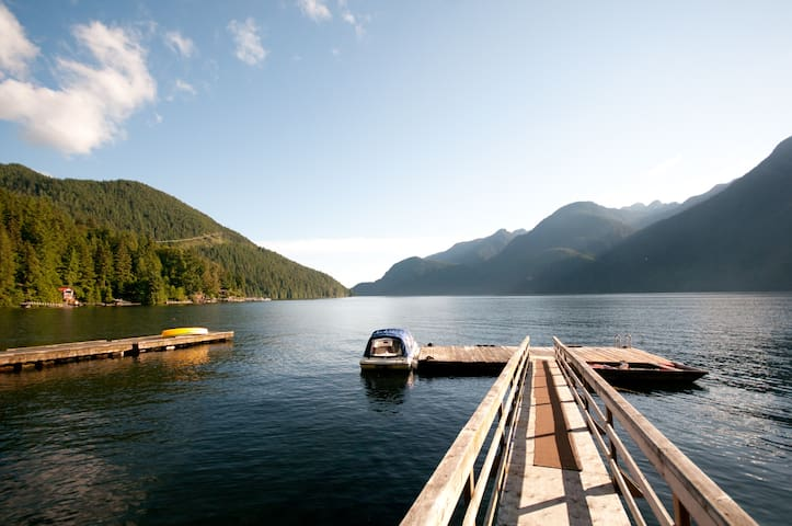 Amazing Indian Arm Waterfront Cabin - Vancouver - Cabaña