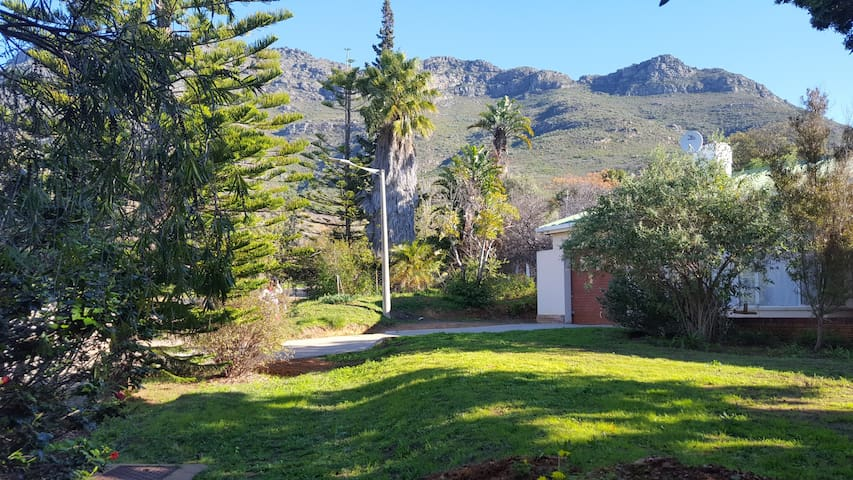 Pauls Place. - Riebeeck West