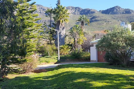 Pauls Place. - Riebeeck West - House
