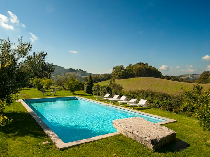 Villa Tramonto for 12 / 6 beds, private pool, A/C