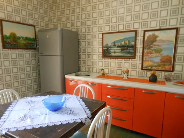 cucina abitabile confortevole completa di tutti i confort